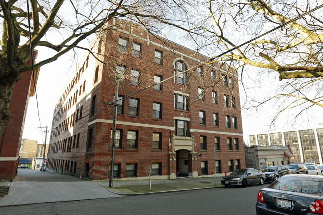 fionia-apartments-seattle-wa-building-photo-(2).jpg
